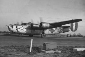 B-24J_Liberator_The_Shack_458_Bomb_Group_754_Squadron_Nose_Art_Photo